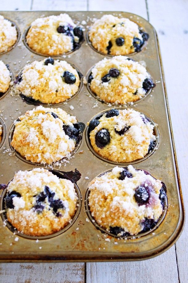 Blueberry Ricotta Muffins with Lemon Sugar Topping / Patty's Food