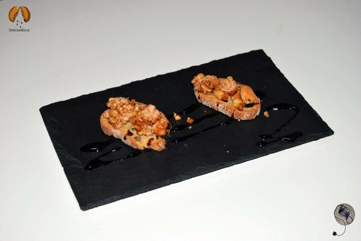 #OcioAlPlato - Tapa de Foie Malvasía con Almendras y Caramelo (La Fotografía) - http://www.delicias-boca.com/2014/01/ocioalplato-tapa-de-foie-malvasia-con.html