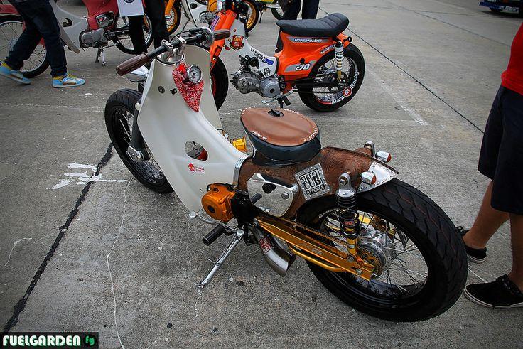 StreetCub Bitches Honda Cub C70