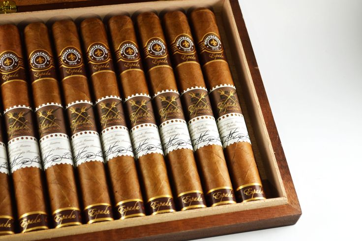 Montecristo Espada Quillon  No. 20 on the top 25 of #cigaraficionado The @montecristo_cigars Espada Quillon features a light tan wrapper of Habano Jalapa Vintage 2010 tobacco leaf and a blend of vintage Nicaraguan fillers from Jalapa, Ometepe and Condega. The smooth and easy draw will give you a long-lasting enjoyable smoking experience. #cigarlover #cigarclub #cigarbar #cigardojo