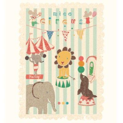 Affisch från Maileg - Cirkus med mus och vänner i gruppen - Barnrum efter färg / Blått hos Blå Elefant - Blaue Elefant (mai-15-0265-00)