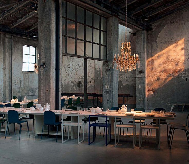 Restaurante carlo gracco e camilla en mil n al m s puro for Vitrina estilo industrial