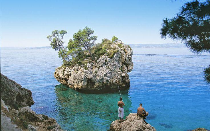 Kroatien byder på smukke steder med klart vand - her kan du bruge mange timer på at slappe af ved det skønne hav. Du kan læse mere om Kroatien her: www.apollorejser.dk/rejser/europa/kroatien