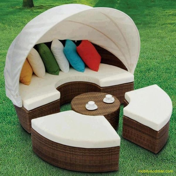 Bahçe için şık bir mobilya