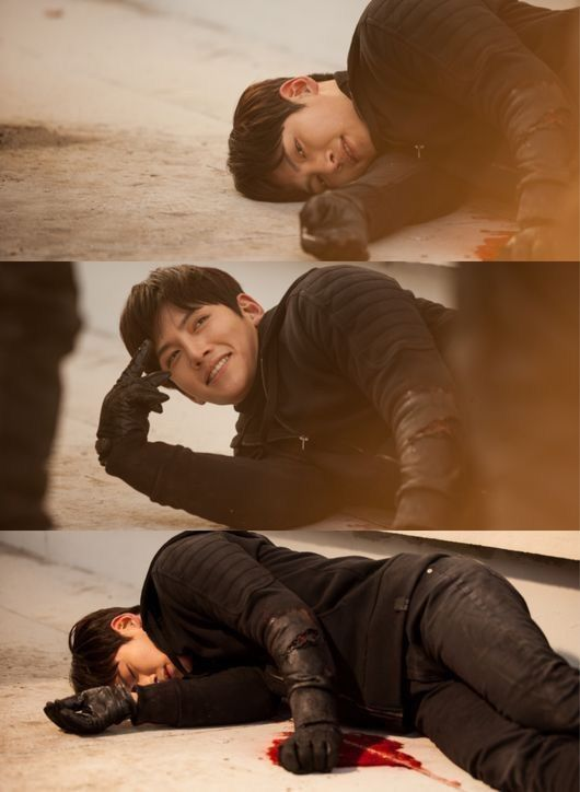 JI Chang Wook in Healer BTS His smile is killing me!!!