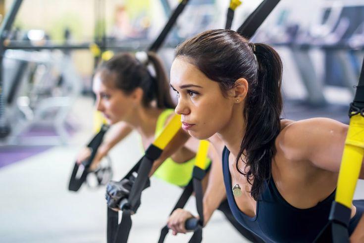 TRX Workout: De 5 meest effectieve TRX oefeningen voor een strakke buik Na Amerika is ook Nederland helemaal enthousiast van de TRX workout! En niet zonder reden. Dankzij TRX kun je thuis eenvoudige en effectieve workouts doen. Voor elk doel en lichaamstype is er een passende trainingsvorm ontwikkeld. Eentje waarbij je je prettig voelt. En …