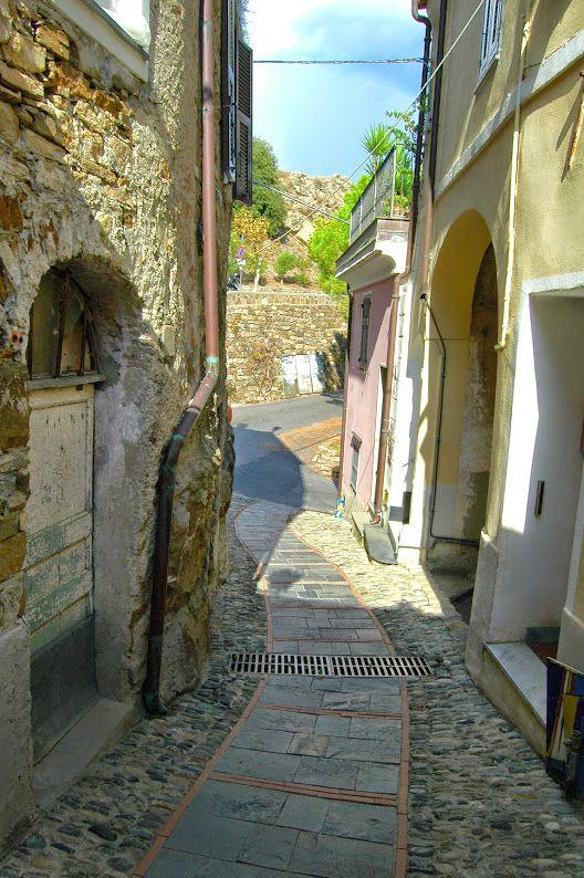 Lingueglietta, Frazione di Cipressa (IM), Borgata Banchetta