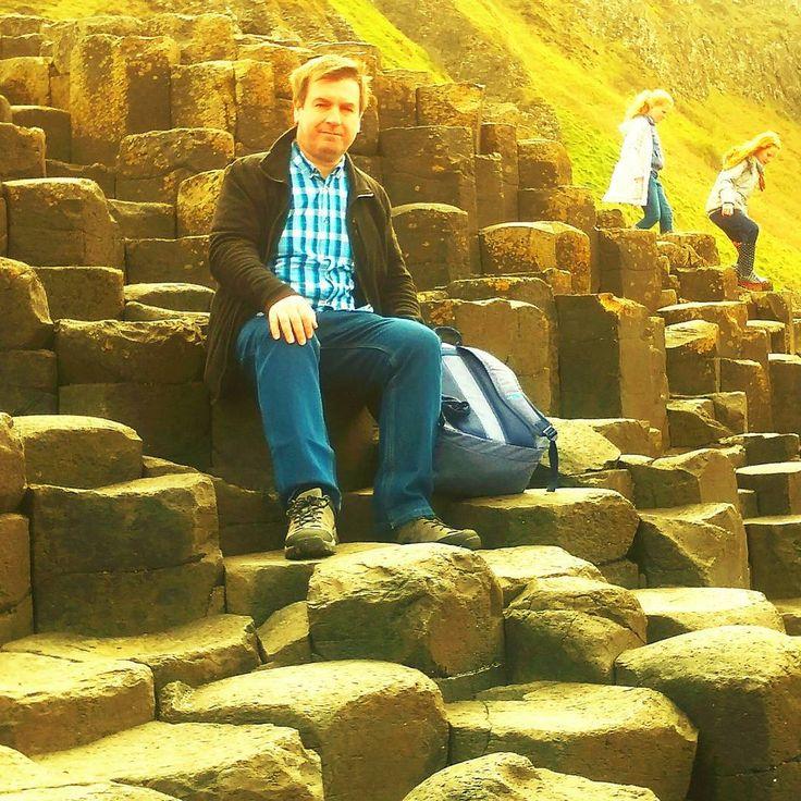 Houses of the Holy Hogan!!! ™ #antrim #ledzeppelin #housesoftheholy #imitate #housesoftheholyhogan #giantscauseway #ireland #rocks #vinyllife #mimic #steps #hexagon #visitireland #discoverireland #nature #naturalwonder #culture #photooftheday #instaphoto #northernireland #finnmccooltours #destinations #homage #igers_ireland #ig_ireland #naturalphenomenon #location #landmark #volcanic