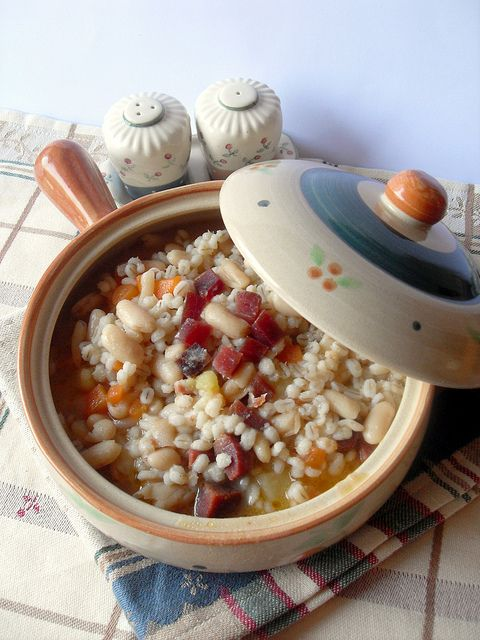 zuppa di orzo perlato e speck