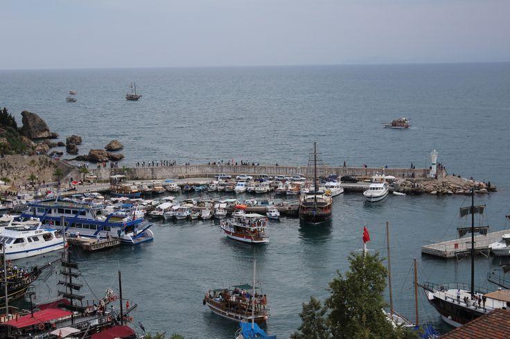 Yat Limanı - Antalya / Marina - Antalya  Photo By www.nesedentarifler.com
