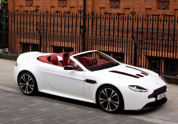 2012 Aston Martin V12 Vantage Roadster Reviews : Carstylishdesign.Com – Car News, Car Pictures, Price & Specification Car