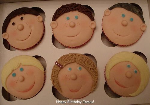 Personalised cupcake faces. | Flickr - Photo Sharing!