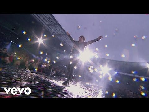 Indochine - Atomic Sky (Black City Concerts au Stade de France 2014) - YouTube
