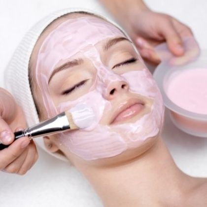 Homemade And Natural Whitening Facial Mask