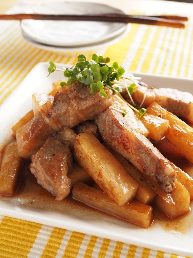 豚肉と長いもの黒酢あん by 玉田 悦子 / どんかつ用の豚ロースを使った見るからにボリュームのある1品!肉食べたい!という家族に作ってあげたいお料理です。シャキシャキ食感が残った長イモも美味しいです♪ / ナディア