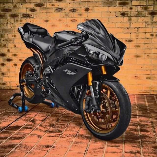 Cbr1000rr Mascunanabear: Clean Black Yamaha R1 Shop Www.bikekings.net Winter