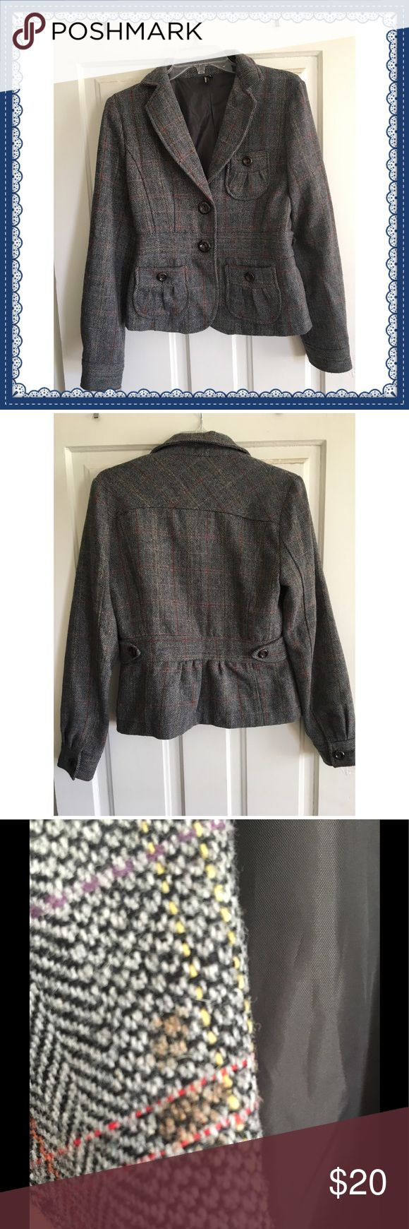 🍁🍁Gray Tweed Blazer🍁🍁 Fantastic gray tweed blazer, perfect for fall 🍁🍂🍁 Good condition-- three stains which are pictured, but would likely come out with dry cleaning!!! Otherwise great condition so snap this up for your autumn adventures 🍎🍄🎈Bought at Nordstrom! Nordstrom Jackets & Coats Blazers