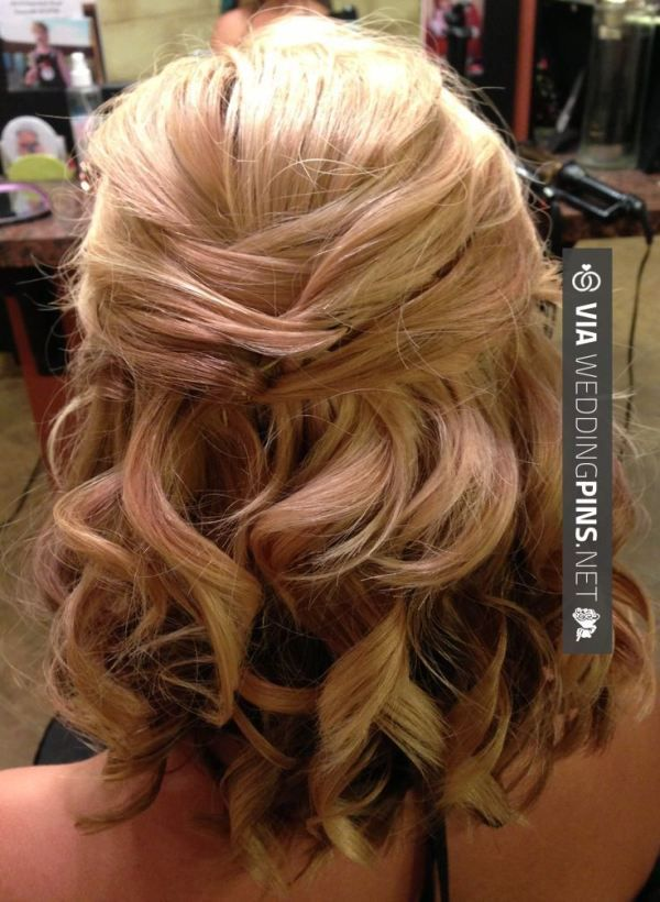 wedding hairstyles for short hair Bridal updo for short or medium length hair. Half up wedding style. | @hair_by_laurasteiner