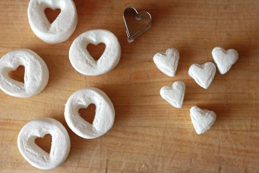 heart marshmallows!~T~ such an easy and cute idea. Cut out hearts from marshmallows to use in hot chocolate, on top of cakes, ice cream etc. Could color them as well if you can't find colored marshmallows.