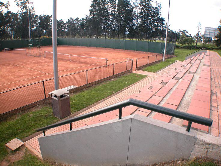 """Club Recreativo Torca. Año de construcción: 2005 Ciudad: Bogotá, Cundinamarca, Colombia. Cliente: Caja Colombiana de Subsidio Familiar """"Colsubsidio"""""""