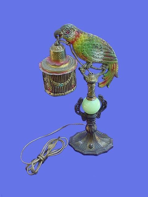 Isn't it awesome? Where's that winning lottery ticket when you need it?: Abs, Deco Parrots, Antiques Beak, American Art, Parrots Lamps, Antiques Lamps, Floors Lamps, Art Deco Lamps, Tables Lamps
