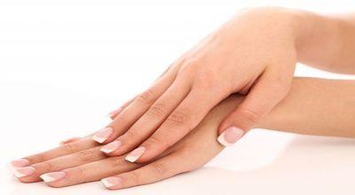 Une solution pour créer une crème contre les crevasse pour les mains abîmées sur http://www.astucedegrandmere.com/remedes-sante/creme-contre-crevasse.html