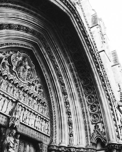 ' Oameni răi un mâna unui Dumnezeu bun, dar uite ce au #făcut oamenii pentru Dumnezeu '  #Frozen music; #Architecture album   www.talosdarius.ro