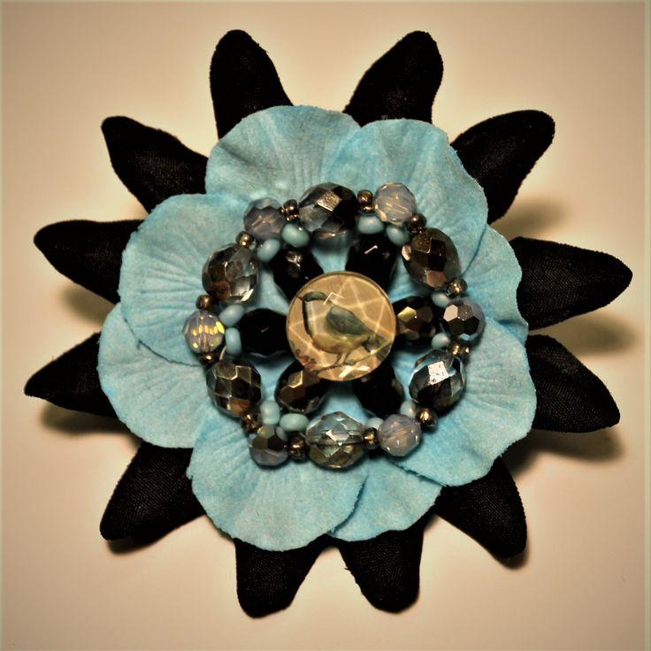 Bluebird pin by Goldenpurse on Etsy