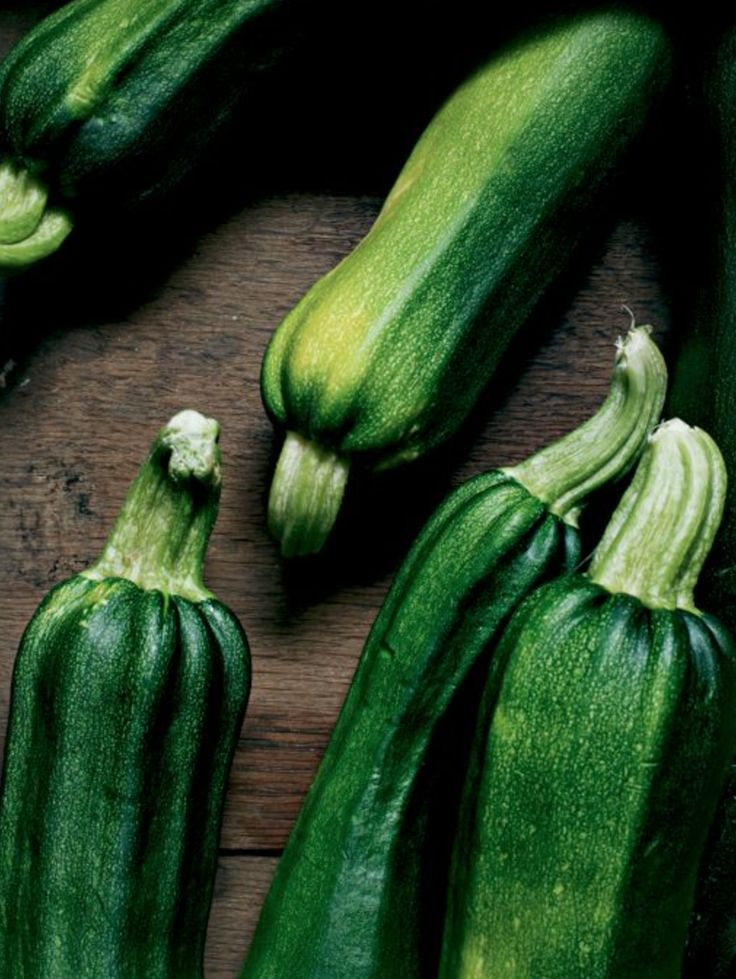 As an outstanding source of manganese and vitamin C, zucchini is the best source of dietary fiber that will keep your body in the best shape for the long run. It also contains vitamin A, magnesium, folate, potassium, copper, and phosphorus .1 cup is 18 cals and 1.4 g of protein.