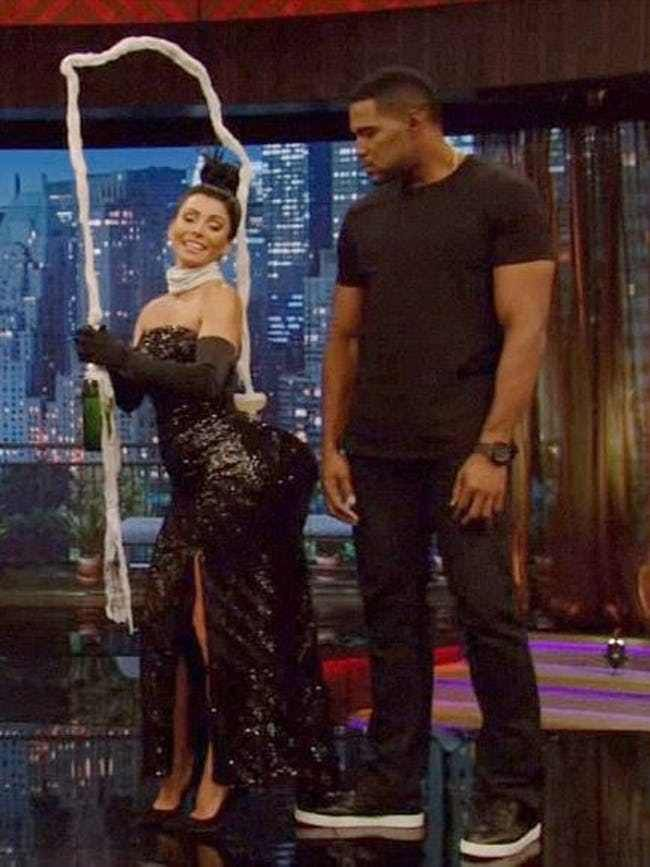 Kelly Ripa 2020 Halloween Outfit The Greatest Celebrity Halloween Costumes Of All Time | Kardashian