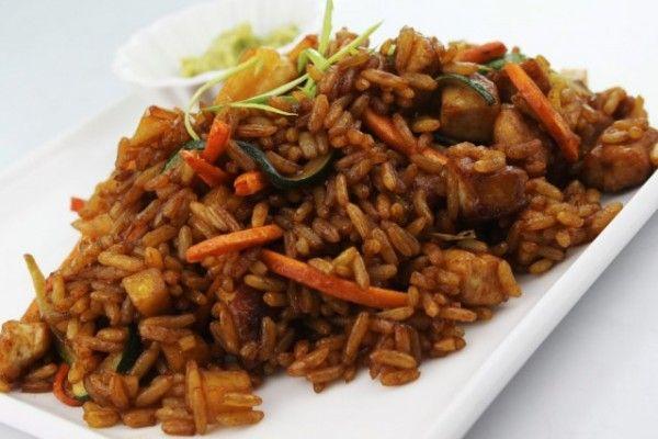 Cómo hacer arroz chino con salsa de soja | Informe21.com #Food #Comida #Photography #Receta