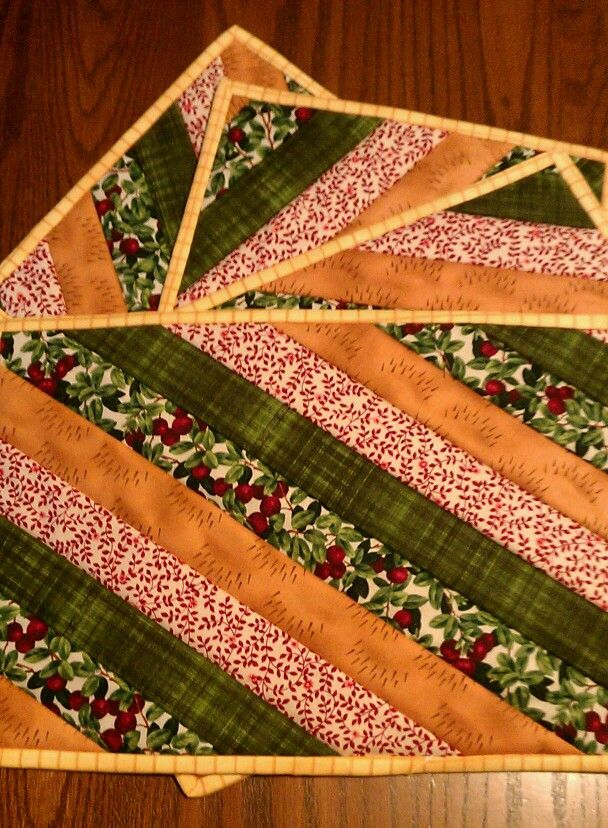 Quilt Patterns For Table Runners And Placemats : Top 25 ideas about Quilted placemats on Pinterest Place mats, Striped fabrics and Placemat
