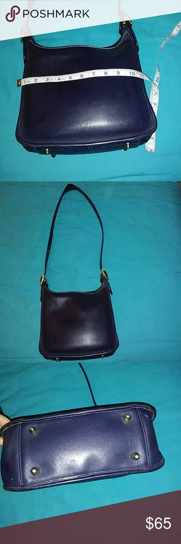 """Authentic Genuine Leather, Apprx 9""""x 10""""x 5"""" Vintage Coach Hobo/Shoulder Bag No H8P-9966. Navy blue in color with gold tone hardware. 9 out of 10 to be a perfect bag. Missing hang tag though. Zip closure. All around very very good bag👍👍 Coach Bags Shoulder Bags"""