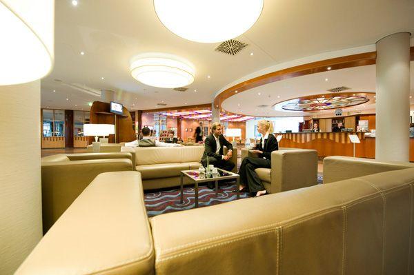 Lobby   H4 Hotel Leipzig