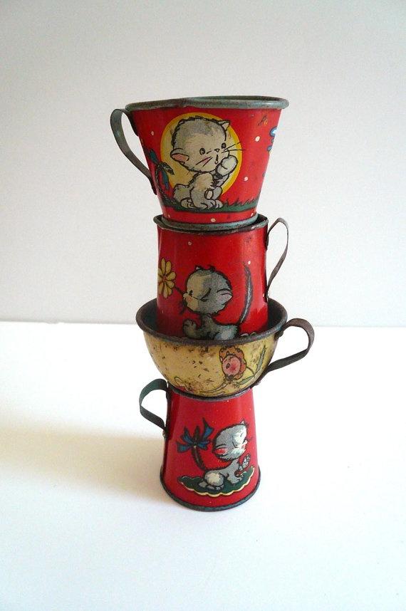 vintage 1940's tin tea cups