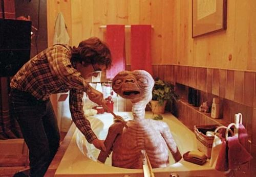 Director Steven Spielberg giving E.T. a bath on the set of the film. #behindthescenes #e.t.