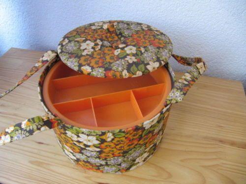 Tchibo-Naehkorb-Naehkoerbchen-Dose-Blumen-Flower-Power-70er-Jahre-Panton-Ara-Retro