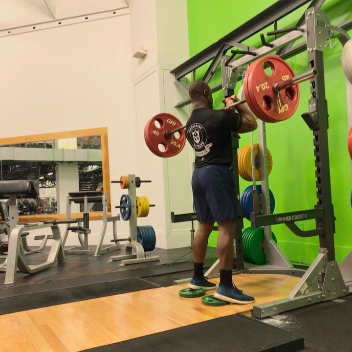 Back straight chest up & squat deep! Working on overall flexibility is tougher than lifting heavy weights to me! . . . . #lift #mechanics #struggle #flexibility #squat #glutes #adidas #boost #kotd #gymrat #fitness #jabari #beast #gorilla #building #dadbod