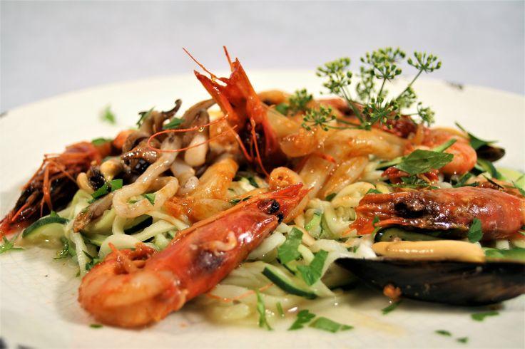 Espaguetti de calabacín frutti di mare