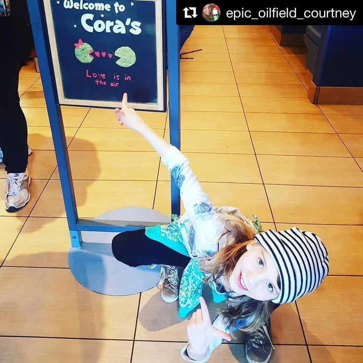 Chez Cora on fait des heureux! #Repost 📷: epic_oilfield_courtney #KidsMenu #CoraRestaurant ……………………………………………… Who is excited for 🍳 breakfast? #thiskid #coras #breakfast #excited #delicious #eat #yummy