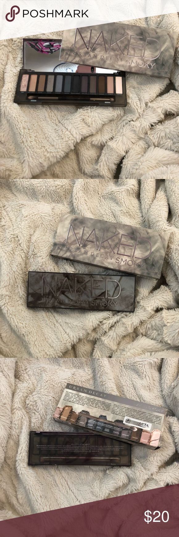 Urban Decay Naked Smoky eyeshadow palette very lightly used and i cleaned the brush it goes with Urban Decay Makeup Eyeshadow #cleanmakeupbrushes