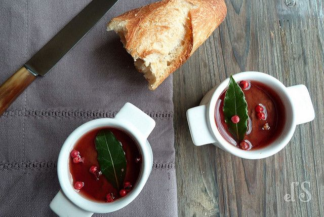 I love to make my blocks home and in addition to this is really simple. The perfect chicken liver is more known under the name of foam of chicken livers, but I have a little custom ! To make it even better here is a version with pink berries and jelly porto, hmm this is... Read more »