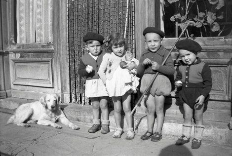 Vivian Maier, Children in France on ArtStack #vivian-maier #art