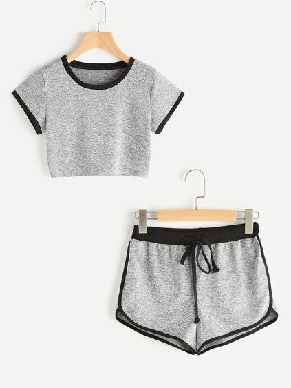 Camiseta corta con shorts con ribete delfín en contraste
