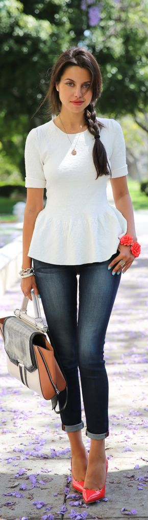 So young and fresh. Classical jeans, white top, red high heels and plenty of accessories create vivid look.