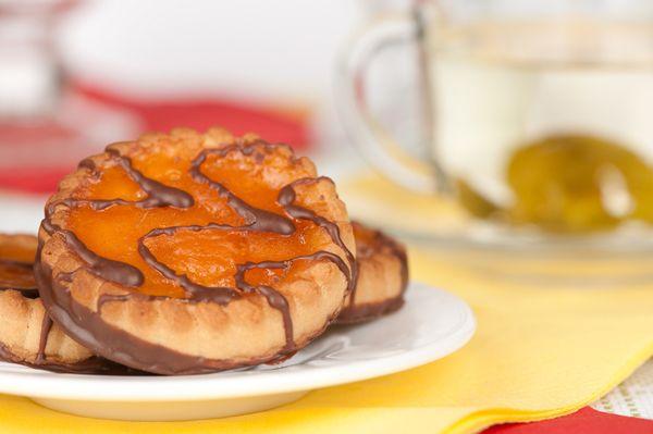 Μπισκότα γεμιστά με κρέμα πορτοκάλι