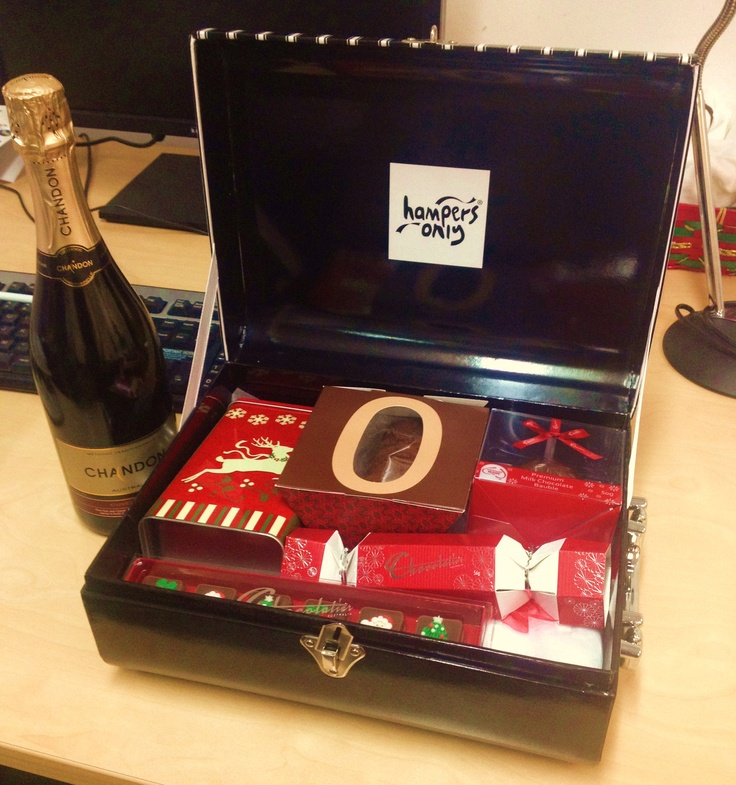 This just arrived at the office, courtesy of the lovely folks at ASPAFTV! #Christmas #hamper #ASPAFTV