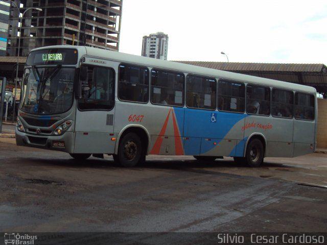 Ônibus da empresa TCCC - Transporte Coletivo Cidade Canção, carro 6047, carroceria Marcopolo Torino 2007, chassi Mercedes-Benz OF-1722M. Foto na cidade de Maringá-PR por Silvio  Cesar Cardoso, publicada em 02/03/2014 15:02:01.
