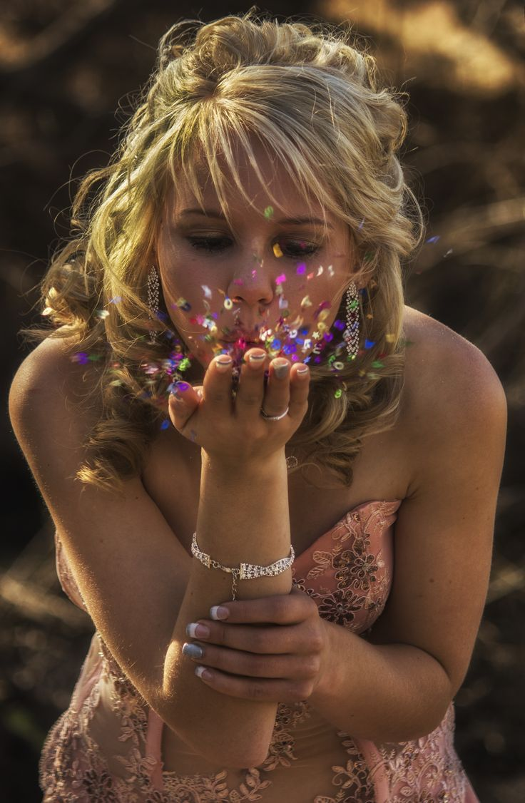 Blowing hearts and stars, action, prom photo ideas, matric farewell ideas, portrait photography ideas