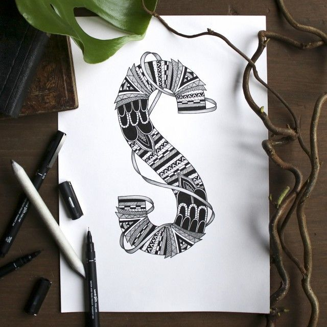 SKYLER art print. @blacklinesart. www.blacklines.se #kitchen #rustic #kitchengoals #inspiration #details #wallart #tavelvägg #photowall #artist #drawing #art #blacklinesart #blackandwhite #illustration #homeinspo #artprints #artprint #poster #black #white #interior #scandinavian #swedish #design #patterns #zentangle #letter #letters #abc #designletters #animal #animals